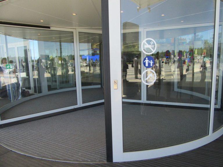 Администрация аэропорта «Стригино» организовала экскурсию по просьбе специалистов НРООИ «Инватур»