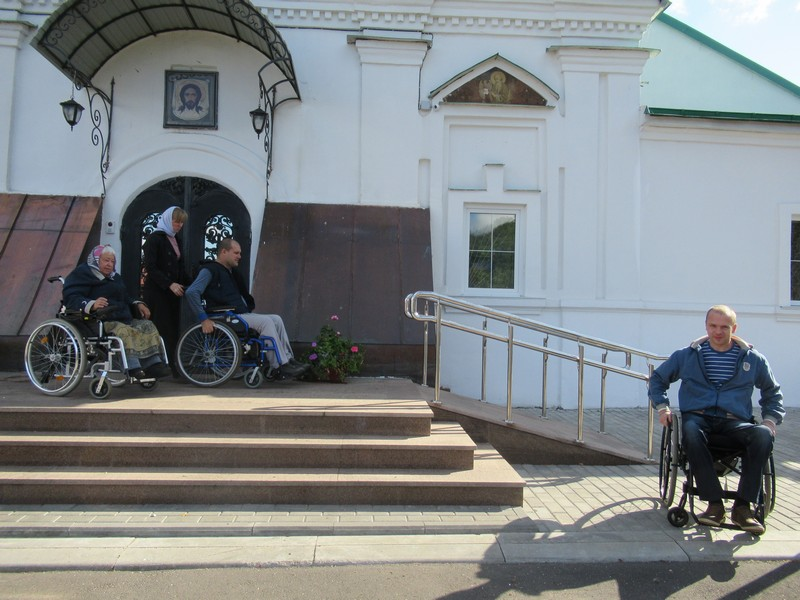 Участники проекта «Служите друг другу» посетили Храм Преображения
