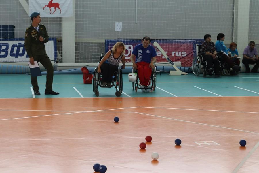 Кожаные мячи во Дворце спорта