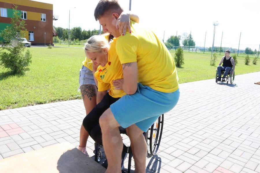 Приглашаем волонтёров в спортивно- реабилитационный лагерь «Центр активной жизни»!